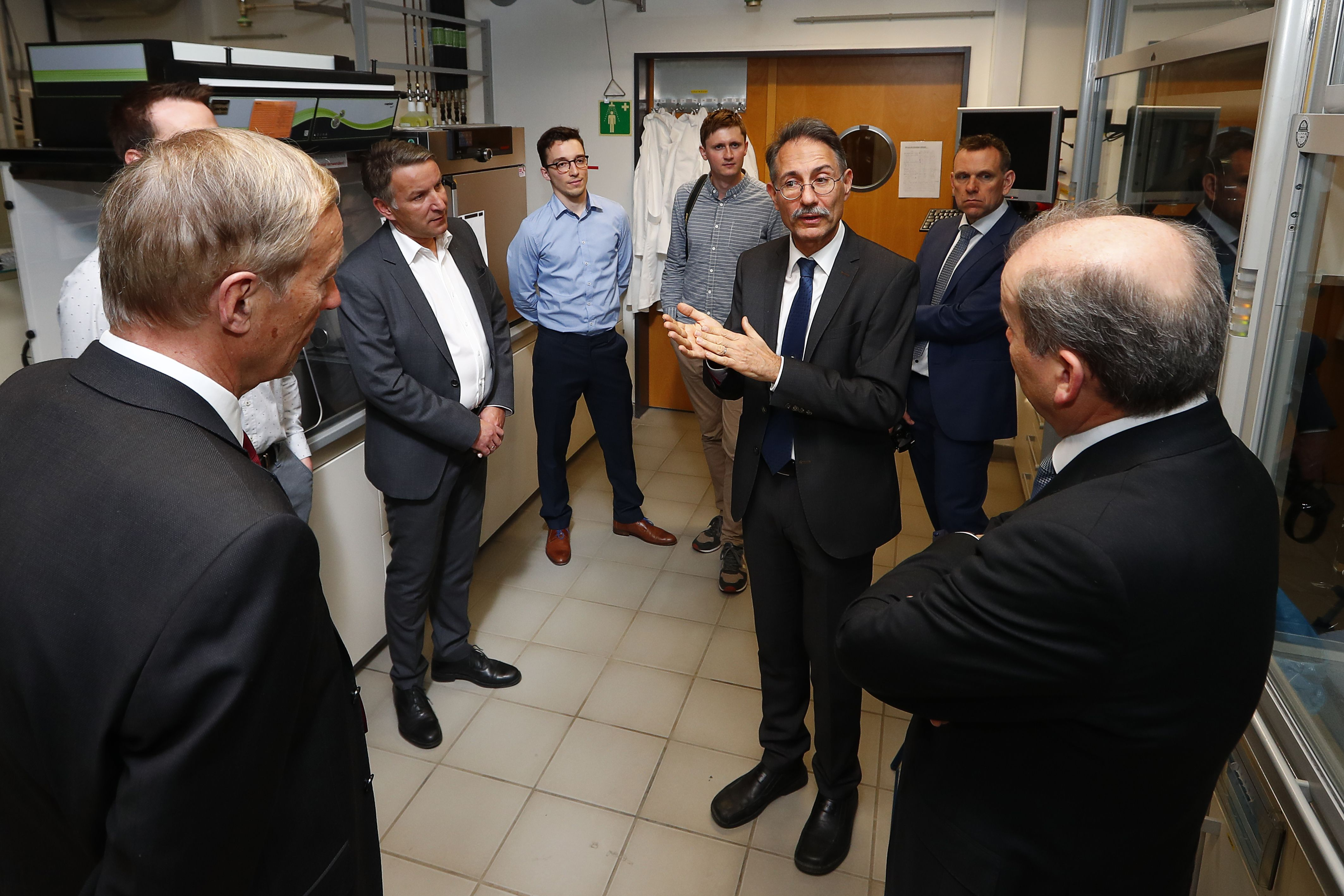 Laborführung an der Universität Bayreuth mit Prof. Dr. Ralf Moos